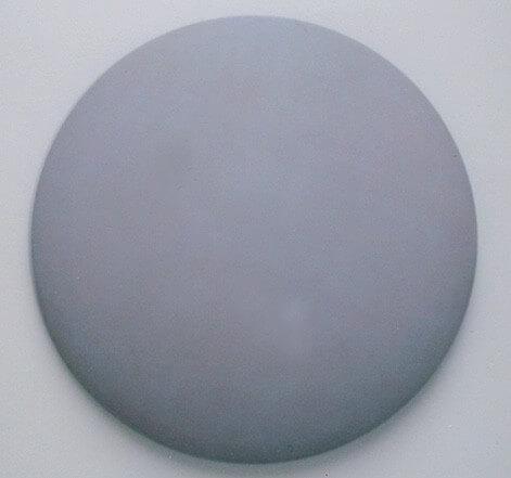 Sans titre, 2006 Peinture à tempéra et encaustique sur bois tourné, 75 cm de diamètre
